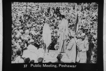 450pxgandhi_at_peshawar_meeting